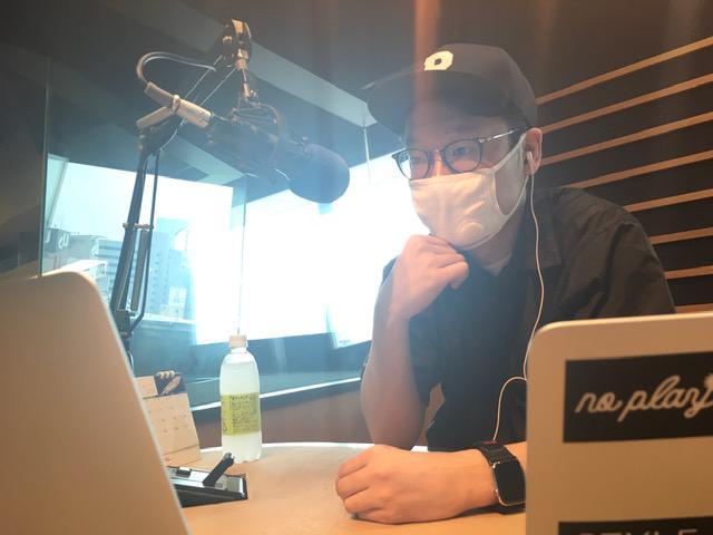 画像: 渡辺さんはスタジオにいらっしゃらないので、えんどぅさんのソロ写真です。