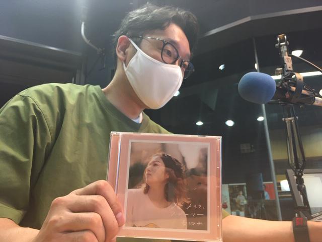画像: 杏沙子さんはスタジオにいらっしゃらないため、えんどぅさんのソロ写真となります。