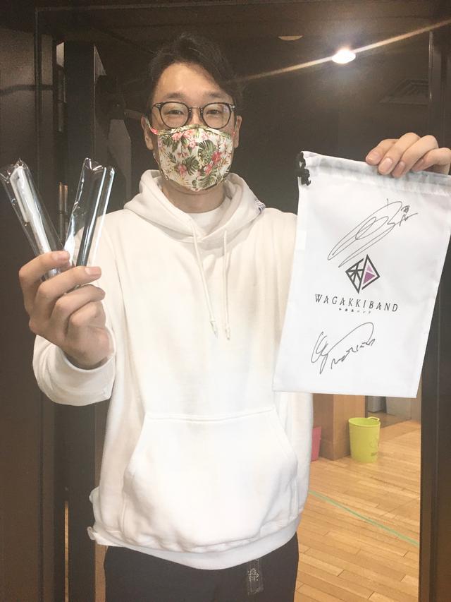 画像: 和楽器バンド、鈴華さん、町屋さんのサイン入り巾着&ペンのプレゼント、今日ももちろんありますよ!