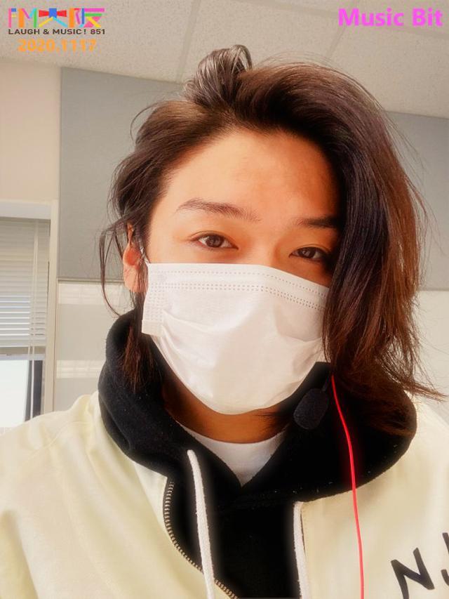 画像: 今週も自撮り~!髪なっが~い!