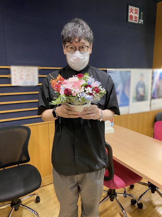 画像: スタジオにあったお花と・・・