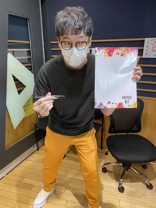 画像: 今日のプレゼントはmihoro*さんのサイン入りノートですよー!