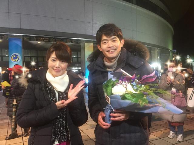 画像: メ~テレフィギュアナビゲーター小塚嵩彦さんと日本ガイシホールの前で。 ありがとうございました!