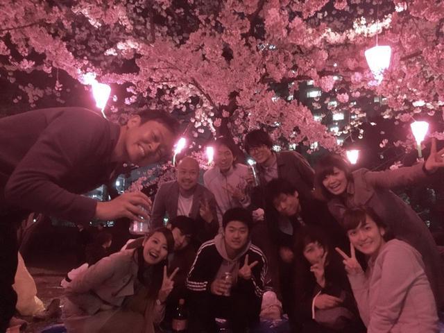 画像: この倍以上の人が詰めかけて、大賑わいの花見でした♪