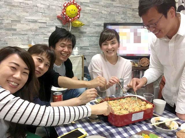 画像: 「鍋奉行」ならぬ「たこ焼き奉行」はお天気の修作さんです。