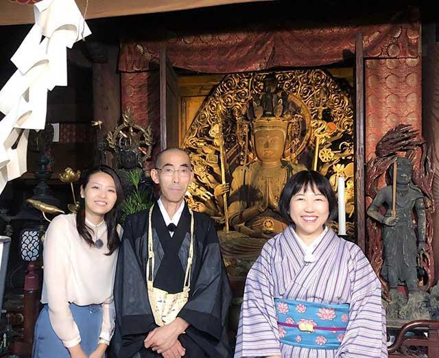 画像: ご住職と田中先生と千手観音様