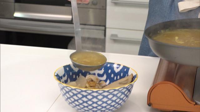 """画像10: 余ったおでんを使った """"カレーうどん"""" のレシピを紹介!「超お手軽!ロバート馬場ちゃんの楽楽ごはん」"""