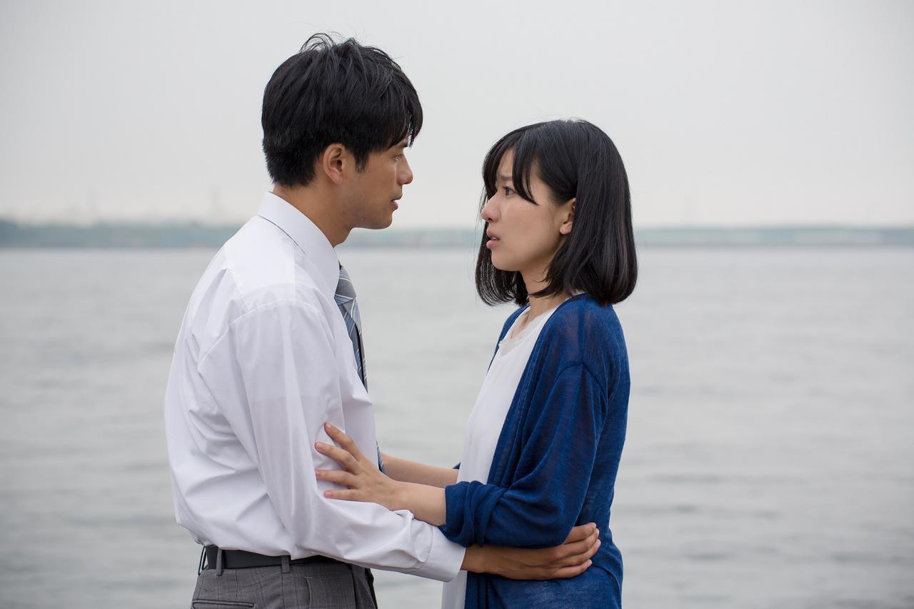 画像: 「本気のしるし」主演の森崎ウィンさん(左)と土村芳さん(右)