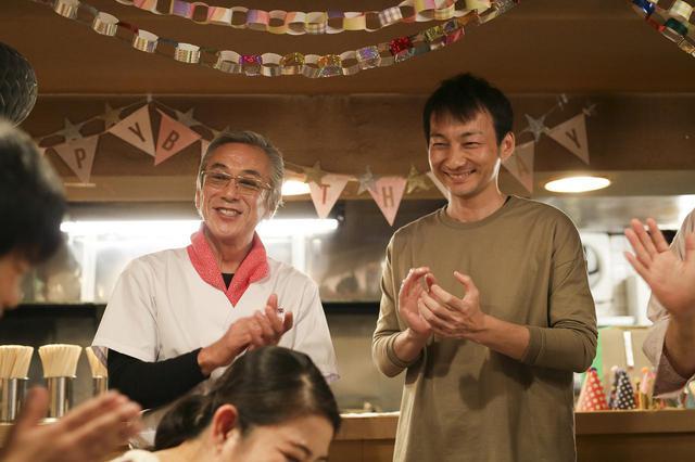 画像: ラーメン屋の物語(2月14日夜11時55分放送)に出演する寺島進さん(左)と波岡一喜さん