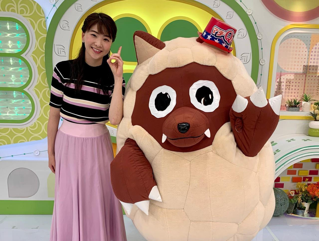 画像: 西尾菜々美アナウンサーとウルフィ