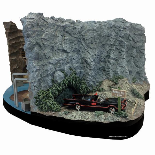 画像3: 実写版テレビドラマ『バットマン』シリーズから、ウェイン邸の地下の基地「バットケーブ」が1/50スケールにてスカルプチャー化!