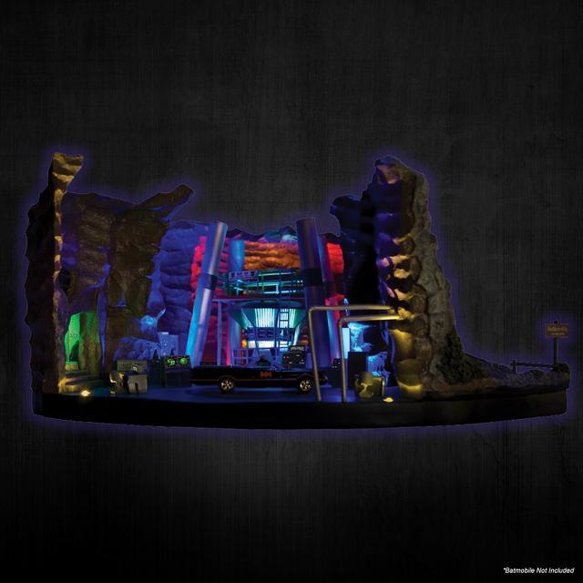 画像4: 実写版テレビドラマ『バットマン』シリーズから、ウェイン邸の地下の基地「バットケーブ」が1/50スケールにてスカルプチャー化!