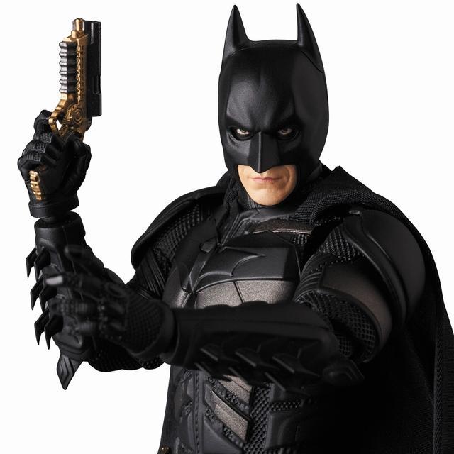 画像2: 『ダークナイト』でクリスチャン・ベールが演じたバットマンのディテールにこだわったフィギュアが登場!