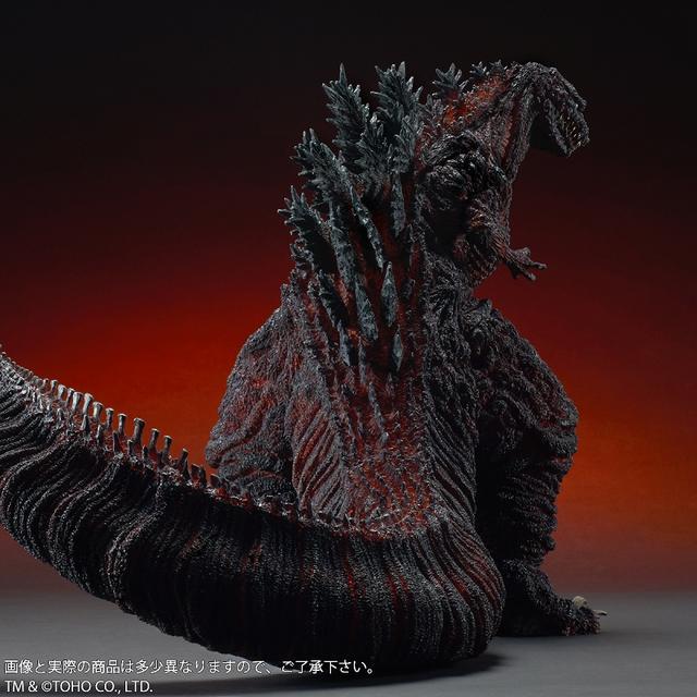 画像4: 全高約47センチ、全長約83センチ! 迫力のある「シン・ゴジラ」が 登場!