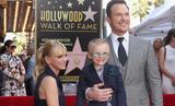 画像: 今年、アナと息子のジャックを連れ立ってウォーク・オブ・フェーム入りのセレモニーに出席した時のプラット Getty Images