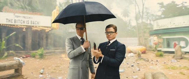 画像: ハリーとエグジー(タロン・エガートン)