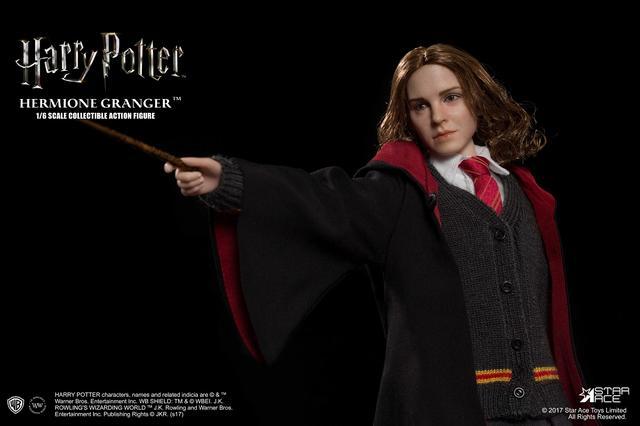 画像2: 「ハリー・ポッターとアズカバンの囚人」より、 エマ・ワトソン演じるハーマイオニーを、ハンドペイントで丁寧に塗装したフィギュアが発売に!!