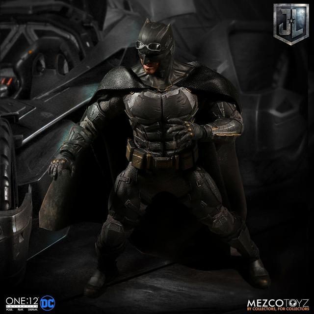 画像4: 『ジャスティス・リーグ』に登場したタクティカルスーツのバットマンを、質感やディテールを再現したフィギュアが登場!