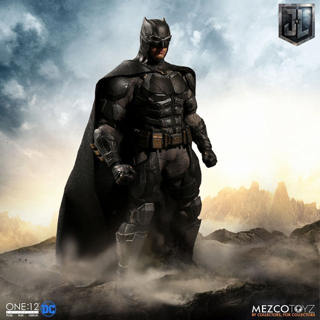 画像1: 『ジャスティス・リーグ』に登場したタクティカルスーツのバットマンを、質感やディテールを再現したフィギュアが登場!