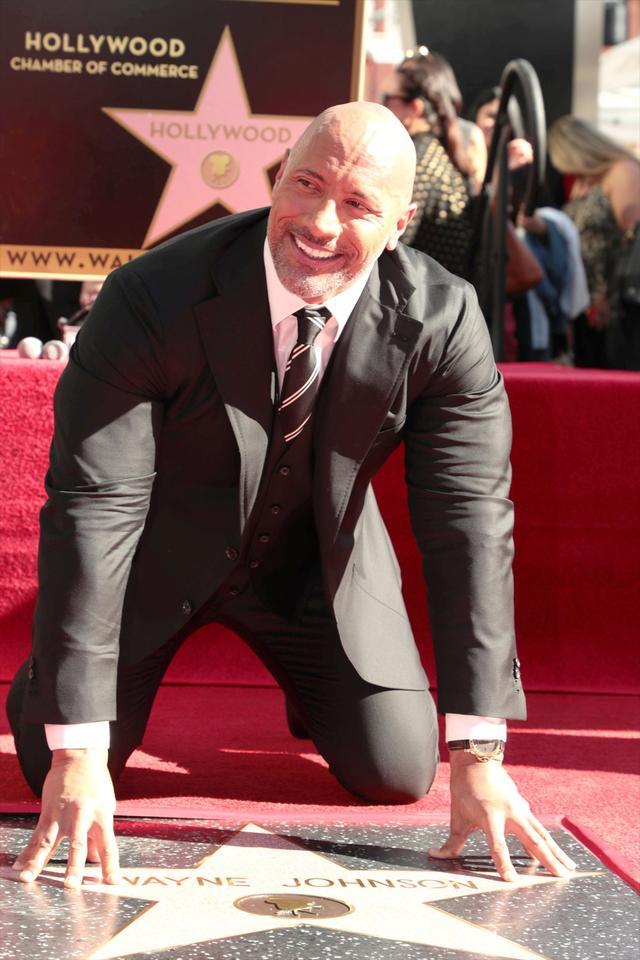 画像: 大統領選出馬の噂も再燃のドウェイン・ジョンソン、ハリウッドの殿堂入り!