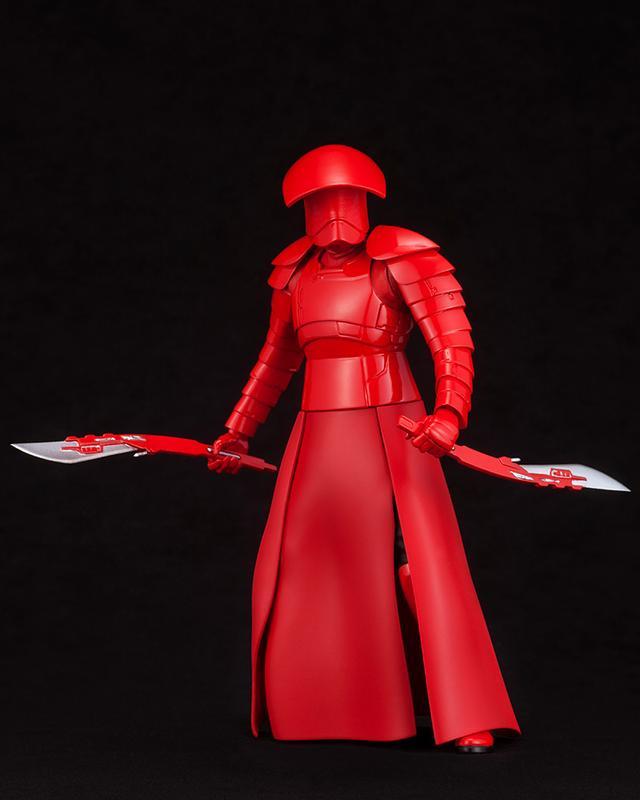 画像2: 最高指導者スノークに仕える真紅のマントと鎧! エリート・プレトリアン・ガードが2体セットで登場!!