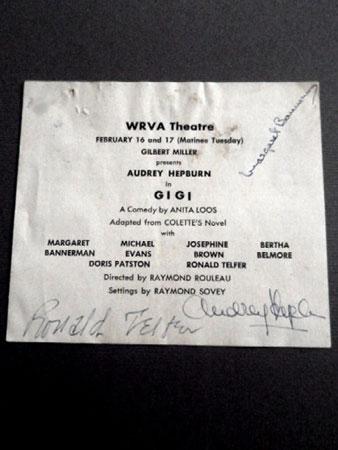 画像1: オードリー・ヘプバーン/直筆オートグラフ(WRVA劇場公演プログラム)