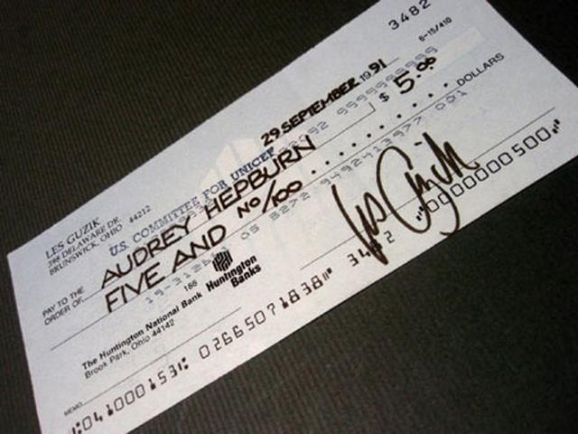 画像1: オードリー・ヘプバーン/1991年(ユニセフ公務)実使用直筆サイン入り小切手