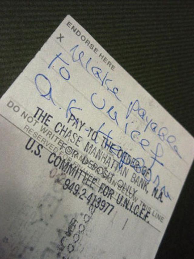 画像3: オードリー・ヘプバーン/1991年(ユニセフ公務)実使用直筆サイン入り小切手