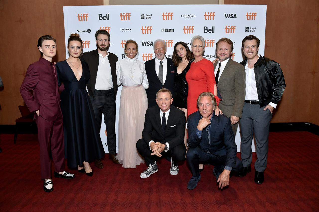 画像: トロント映画祭に集合したダニエル・クレイグ、クリス・エヴァンズ、ライアン・ジョンソン監督ら