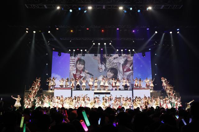 画像: 「AKB48単独コンサート~15年目の挑戦者~」オープニング ©AKS