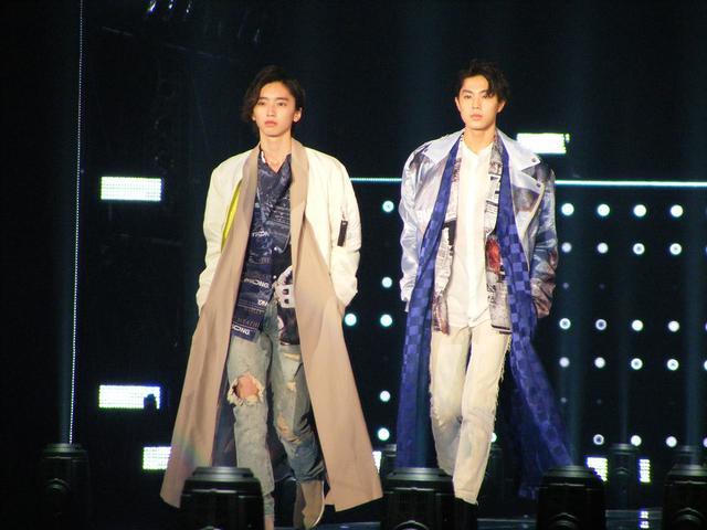 画像: 左:道枝駿佑(なにわ男子/関西ジャニーズJr.)と右:佐藤龍我(美  少年/ジャニーズJr.)