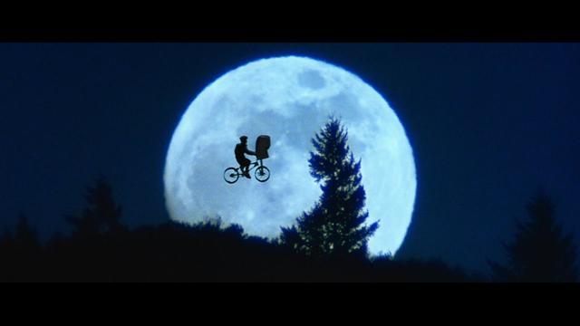 画像: ユニバーサル・ピクチャーズ Presents「リターン・トゥ・シネマ」 youtu.be