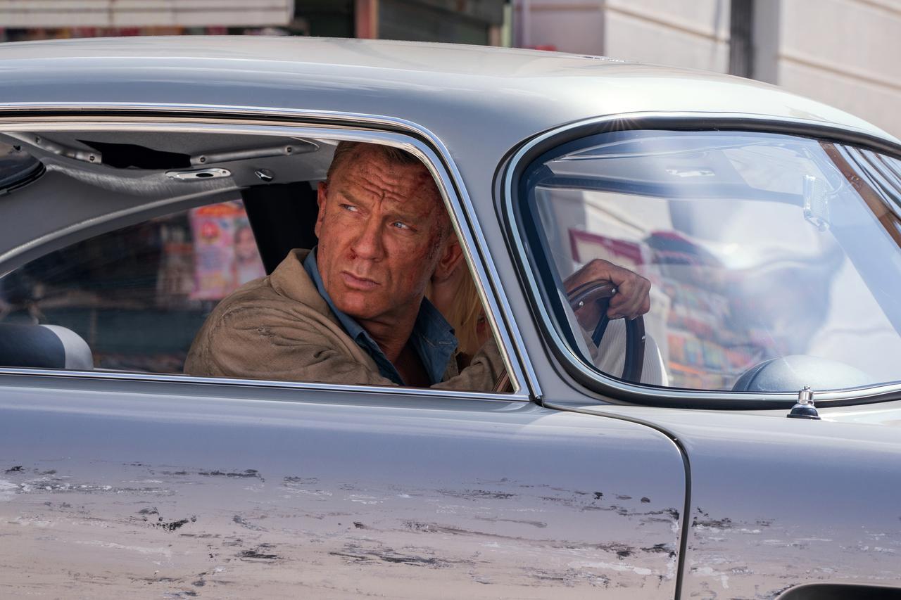 画像2: 過去の名カットと共に、世界で最も有名なスパイとして彼が辿った奇跡を振り返る