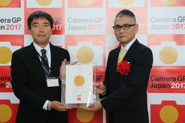 画像: 「カメラグランプリ2017カメラ記者クラブ賞(2機種)」はニコンD500に