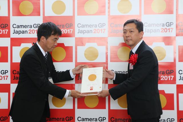 画像: 「カメラグランプリ2017カメラ記者クラブ賞(2機種)」は富士フイルムGFX 50Sに