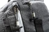 画像: ▲高密度な撥水生地を採用し、アウトドアでの撮影でも安心だ。 www.ginichi.co.jp