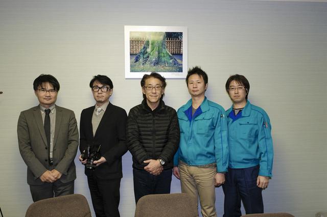 画像: 写真左から上野 隆さん、大石 誠さん、インタビュアーの諏訪光二、芦田哲郎さん、藤村有一さん。