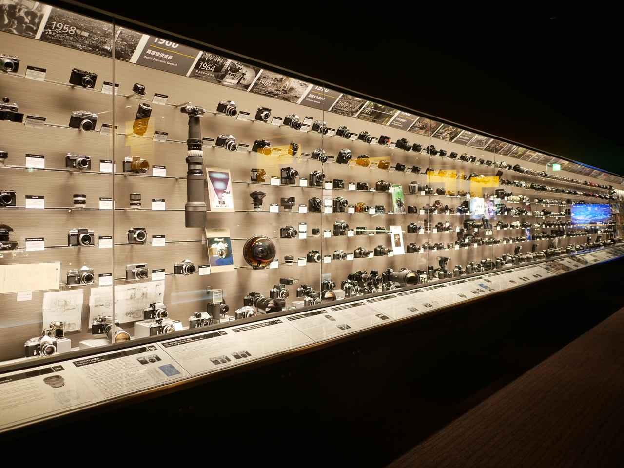画像: 「ニコン1型」から最新一眼レフまで約450点が一堂に展示されている。