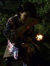 画像: 火花の小さい線香花火。さて、その撮影術とは…