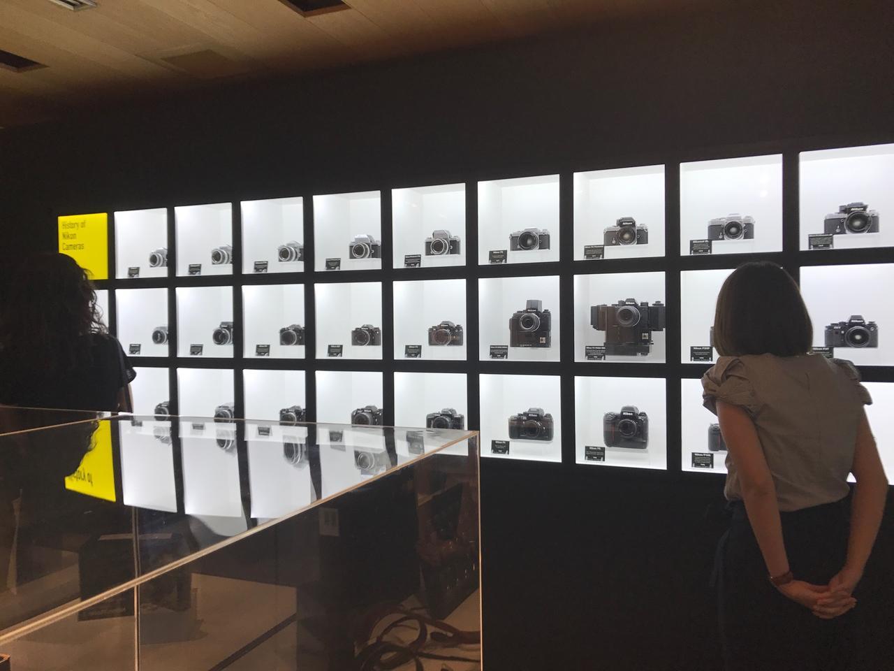 画像: ▲入賞作品はもちろん、先日100周年を迎えたニコンの歴代ハイエンドカメラの数々が展示されていた。