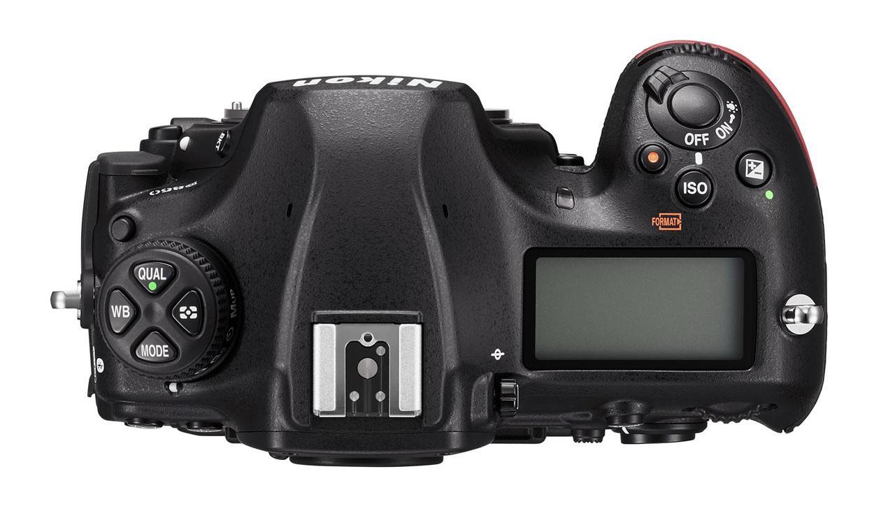 画像: ▲D850のトップ部のシャッターボタン回りはD810より変更されている。 www.nikon-image.com