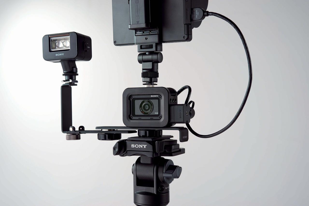 画像: ▲小型・軽量ボディでヘビーデューティに使えて、各種のアクセサリーも充実となると、多くのクリエーターの創造力をかきたてるカメラとなることだろう。
