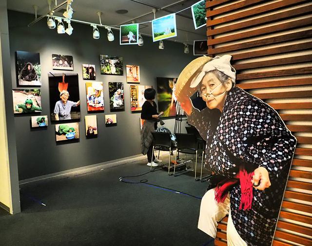 画像: 西本喜美子さんのキャラクターらしく、ギャラリーは楽しさ満載のレイアウトがなされている。