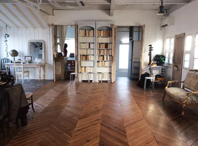 画像: カメラマン3月号表紙撮影終了。目黒区内の閑静な住宅街にあるハウススタジオでこっそり撮影が始まりました。