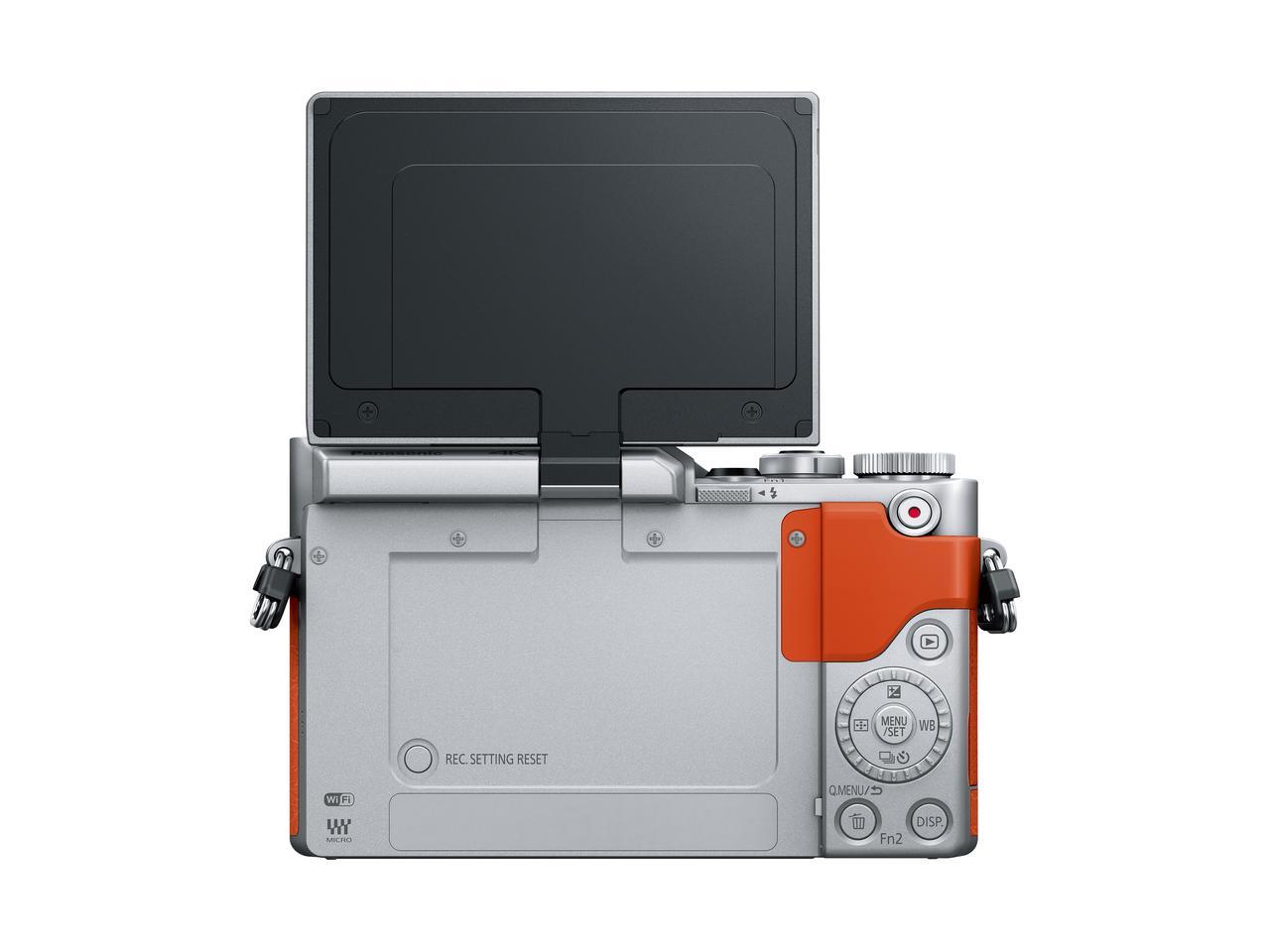 画像: ▲液晶モニターを「自撮り」モードにした状態。