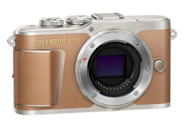 画像: ▲カラーはホワイト/ブラック/ブラウンの3種類を用意する。PENのシンプルさをベースに革調素材をカメラ全体に大きく配置することで上質感を演出した。 www.olympus-imaging.jp