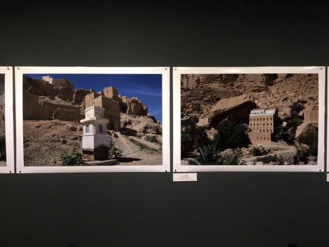 画像: 平 寿夫写真展『サビール イエメン ハダラマウトの水飲み場たち』。サビールとは、喜捨の精神で持たざる者のために水飲み場を提供するムスリムの行為の意。
