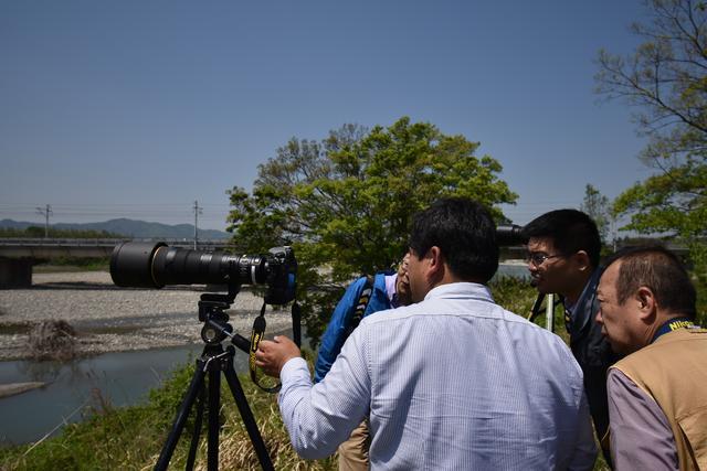 画像: こちらは話題の180-400mmズーム。助川先生がバッチリとセッティングしてくださいました!