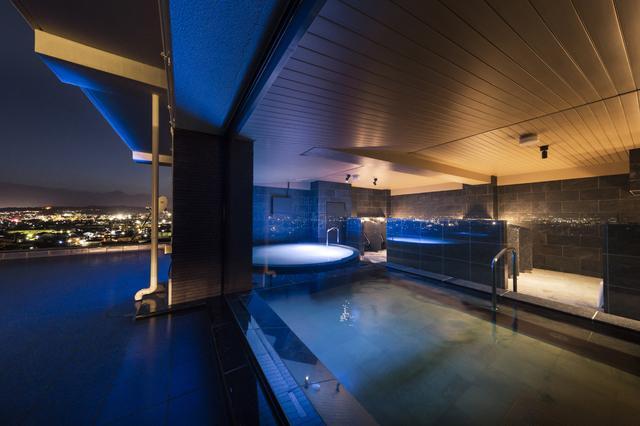 画像: 「美しの湯 水鏡越し夜景」  撮影者  伊藤 剛