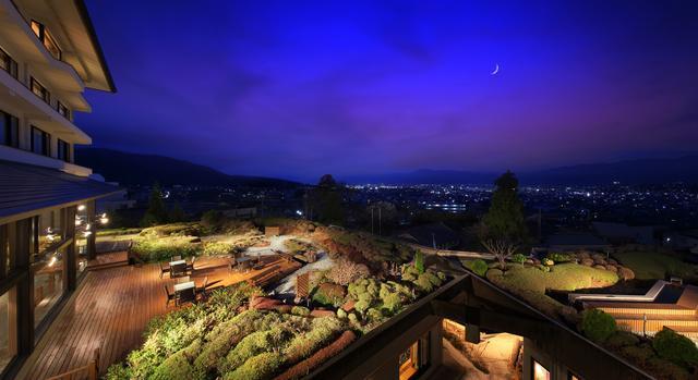 画像: 「ガーデンテラスからの夜景」